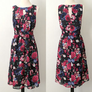 ModCloth Dress Floral Sheath High Neck Date Small